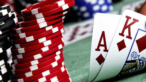 Best facilities are offered in the online casinos so you can enhance your gaming experience.